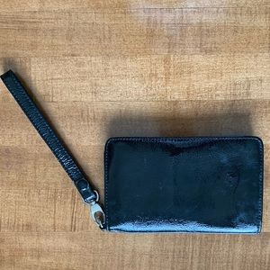 Hobo black wallet wristlet